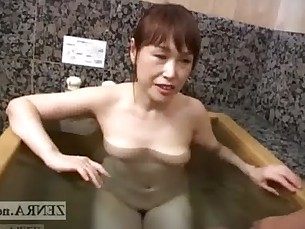 milfs,handjob,amateur,wife,japanese