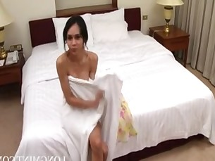 cumshot,cock,tranny,shemale,shower
