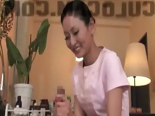 blowjob,handjob,asian,massage,happy